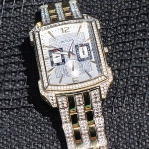 BULOVA Crystal watch